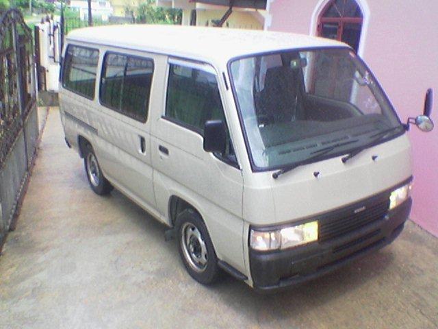 Ниссан Караван 1989 года. С 1996 по 2002 г..jpg