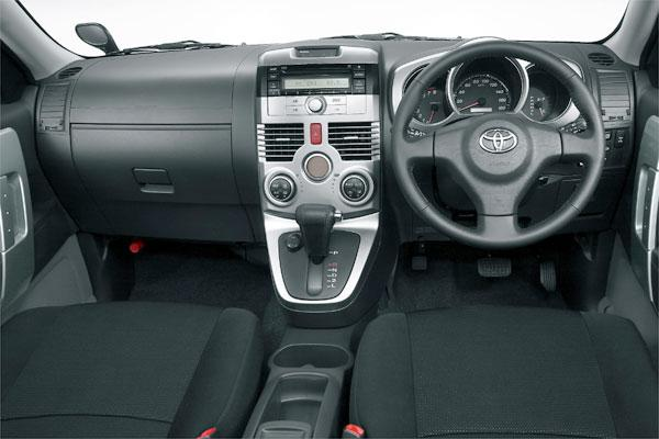 newcar-rush-cockpit.jpg