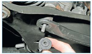 Zamena-jelementov-stabilizatora-poperechnoj-2.jpg