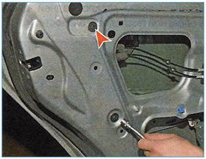 Snjatie-stekla-zadnej-dveri-6.jpg