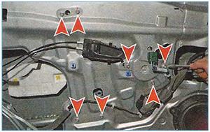 Snjatie-steklopodemnika-perednej-dveri-3.jpg