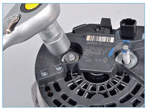 Snjatie-generatora-zamena-reguljatora-12.jpg