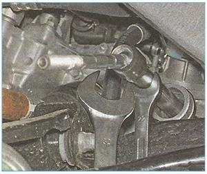 Замена средней рулевой тяги альмера g15 Покраска капота sx4